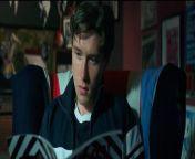 Im britischen Drama The Pebble & the Boy macht der neunzehnjährige, John, Parker, auf einem alten Lambretta-Roller, den ihm sein Vater hinterlassen hat, eine Reise nach Brighton. <br/><br/>Mehr dazu: <br/><br/>https://www.moviepilot.de/movies/the-pebble-the-boy