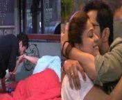 Bigg Boss OTT: Raqesh Bapat kisses Shamita Shetty, Pictures goes Viral.Watch Out<br/><br/>#ShamitaShetty #ShilpaShetty #RakeshBapat