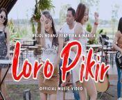 Official Music Video from Bajol Ndanu and Fira & Nabila 'Loro Pikir' <br/>Subscribe to Bajol Ndanu Management here:https://smarturl.it/subscribeBajolNda... <br/> <br/>Title : Loro Pikir <br/>Artist : Bajol Ndanu ft. Fira & Nabila <br/>Composer : Teddy Anugrianto <br/>Arranger: S One Studio <br/>Video : Arunika Studio <br/>Label : PT. Media Musik Proaktif <br/> <br/>#BajolNdanu #FiraNabila #LoroPikir #Kentrung <br/> <br/>Terima kasih sudah menonton video musik perdana Bajol Ndanu dan Fira & Nabila. Jangan lupa ajak teman-teman kalian untuk subscribe, like, komen, dan nonton bareng di channel ini yaa! <br/>----------------------------------------------------------------------------------------------------------- <br/>Semua content yang ada di channel ini sudah mendapatkan izin dari Publishing- pencipta lagu. Kami menghormati sebuah karya dan hak cipta. Kami hanya ingin berkarya, memberikan hiburan-hiburan yang bermanfaat bagi masyarakat. Bajol Ndanu, Dara Ayu, Emily Young adalah talent-talent yang saat ini bernaung di bawah bendera Media Musik Proaktif, TA PRO Music & Publishing dan 27 Musik Indonesia.<br/> <br/>Contact for business: +62 857-1725-5758 <br/>* Proaktif : smarturl.it/MusikProaktif <br/>* TA pro : smarturl.it/SubsTAProMusic <br/>* 27 Musik Indonesia : smarturl.it/Sub27MusikIndonesia <br/>Go find us : <br/>Instagram ProAktif : https://www.instagram.com/musikproakt... <br/>Instagram TA Pro Music : https://www.instagram.com/tapromusik/... <br/>Instagram 27 Musik : https://www.instagram.com/27musik/?hl... <br/>Facebook ProAktif : https://m.facebook.com/musikproaktif/...<br/>Facebook TA Pro Music : https://m.facebook.com/TAPRODUCTION27... <br/>Facebook 27 Musik Indonesia : https://m.facebook.com/profile.php?id...