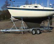 Video von meinem Pantry Bau auf meiner Hurley 800 im Rahmen des Komplett Refit. War ziemlich Aufwendig und hat etwas länger als gedacht gedauert.<br/><br/>Man sagt ja, das der Smut der wichtigste Mann (natürlich auch Frau) an Bord sei. Das sehe ich auch so, deshalb schaffen wir Ihm mal einen vernünftigenArbeitsplatz.<br/><br/>Die meisten Pantrys auf Segelbooten dieser Größe haben mehr Alibi Charakter. Selbst auf deutlich größeren Booten ist die Party meist eher für Daysailing ausgelegt. Bei mir ist das anders. Ich koche gerne.